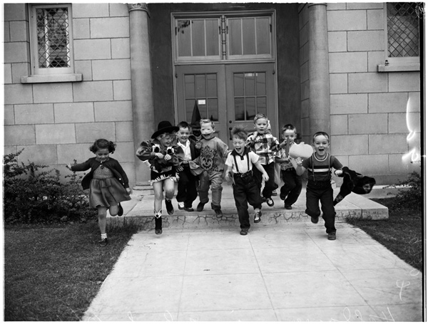 Halloween costumes at 87th St. Elementary school, 1952. | Image: courtesy of USC.