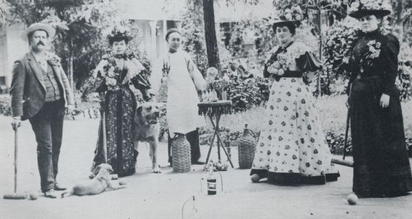 Lucky Baldwin's daughter Clara Baldwin Stocker (right) playing croquet with guests (and Chinese servant) ca. 1894