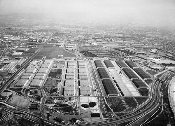 Cheli Air Force Station, 710 Freeway at bottom right, ca. 1961 | Kelly-Holiday Collection of Negatives and Photographs, courtesy of the Los Angeles Public Library