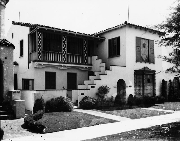 A Spanish style apartment house in Leimert Park. | Photo: Courtesy of Los Angeles Public Library