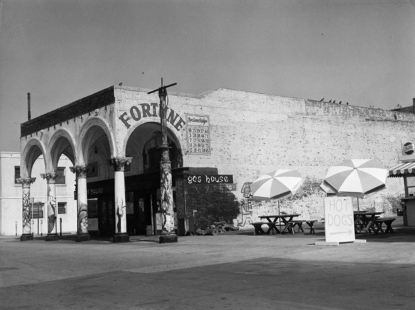 The Gas House, 1960 | Security Pacific National Bank Collection, Los Angeles Public Library
