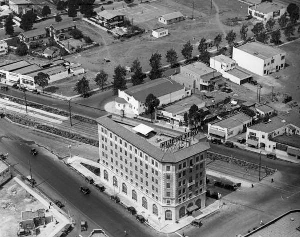 Aerial view of the Culver (then Hunt) Hotel in Culver City | Courtesy of the Los Angeles Public Library