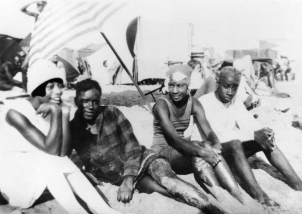 Caption reads: ''L to R: Grace Williams, Albert Williams, Mary Mingleton, Willie Williams (no relation) in the segregated section of Santa Monica beach known as the Ink Well,'' ca. 1926 | Shades of L.A. Collection, Los Angeles Public Library