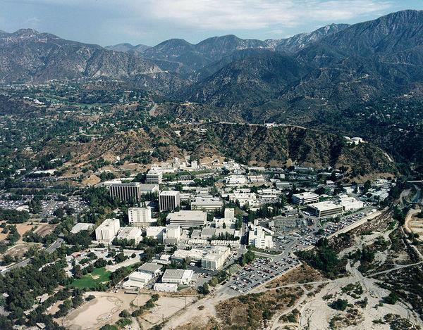 767px-Site_du_JPL_en_Californie-thumb-600x469-71589