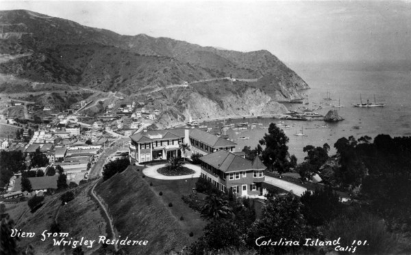William Wrigley's residence overlooking Avalon Bay | Los Angeles Public Library