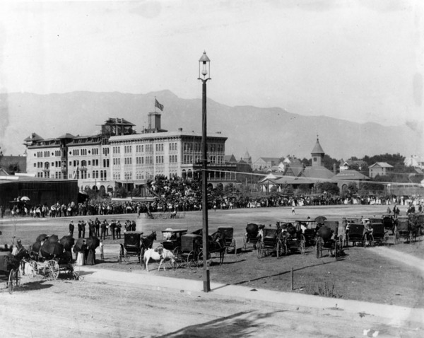 Sports event on the grounds of Hotel Green | Los Angeles Public Library