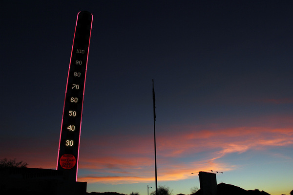 Into the night, The World's Biggest Thermometer hovers at 100 degrees