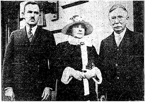Ned Doheny with his mother and father | L.A. Times, February 18, 1929