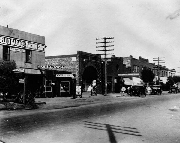 Whittier Boulevard in Montebello, ca. 1920 | Photo: Los Angeles Public Library