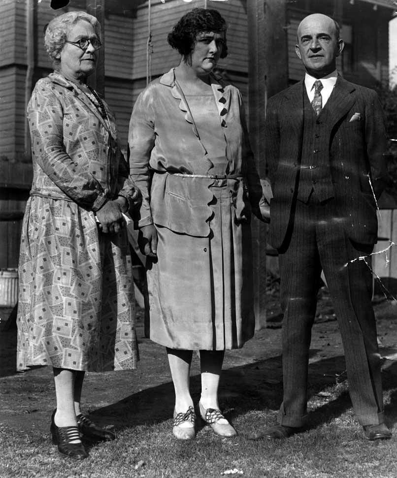 Marian Parker's grandmother, left, mother, and father | Photo: Los Angeles Public Library