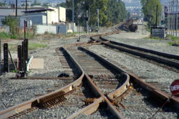 traintracks.jpg