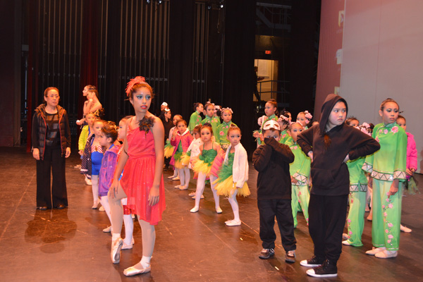 Samantha Ubillus and students at Shining Star Dance Academy | Photo: Connie Ho