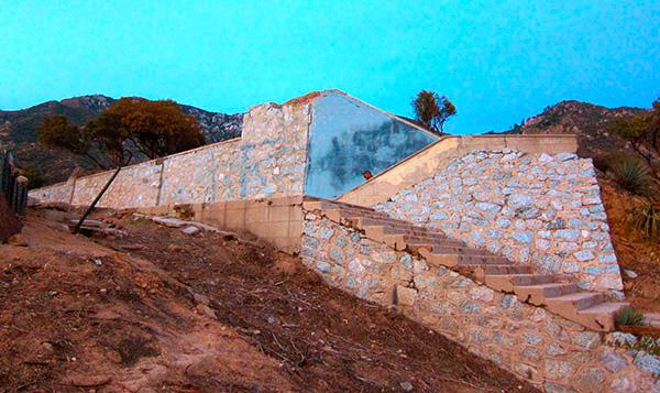 Ruins of the Echo Mountain House   Photo: Daniel Medina