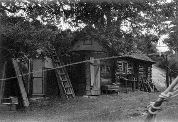 Louie Newcomb's cabin on his Chilao homestead | Photo Courtesy of Robyn Newcomb