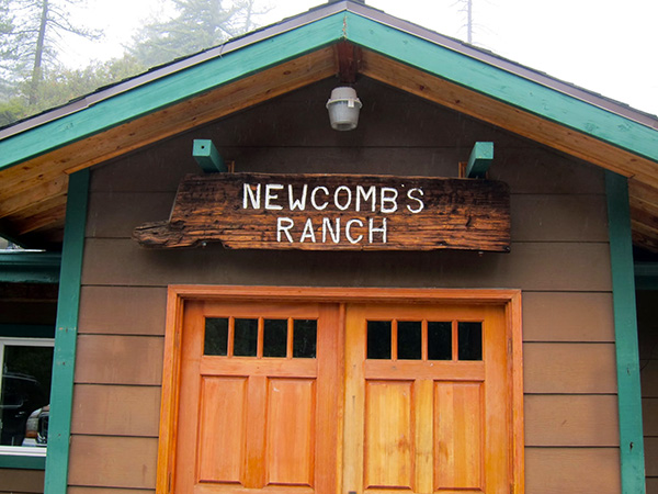 Entrance to Newcomb's Ranch  | Photo: Daniel Medina