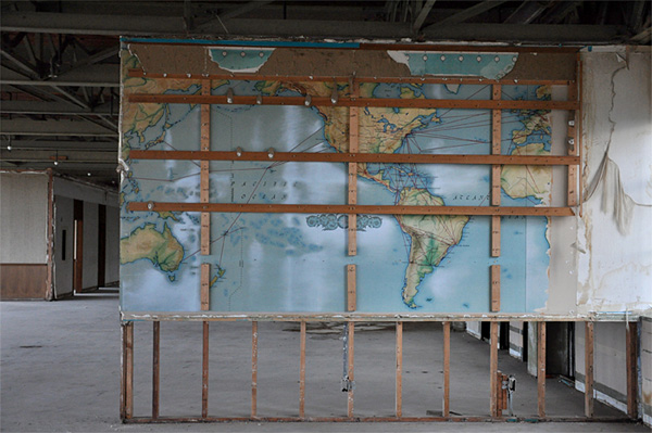 Flight Route Map, Former Hughes Aircraft Company Administrative Building.  Photo by Elleni Sclavenitis.