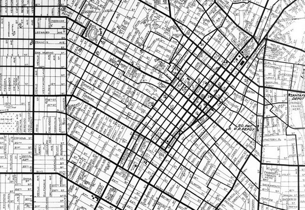 1929 map displays the angled grid pattern around downtown. Note the change in angle at Hoover towards the left of the map. Image courtesy of the USC Digital Library.