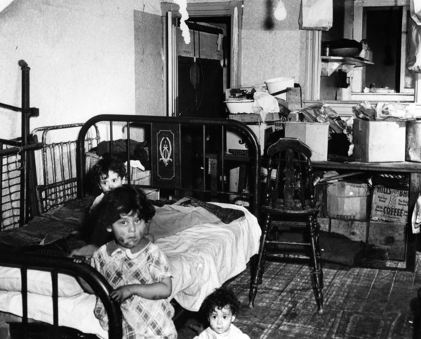 Slum conditions in Bronzeville | Courtesy of the Los Angeles Public Library