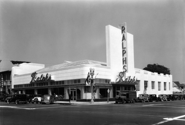 This Ralphs Grocery Store on an unidentified street, ca. 1939-40, was designed by architect Stiles O. Clements | Courtesy of the Los Angeles Public Library