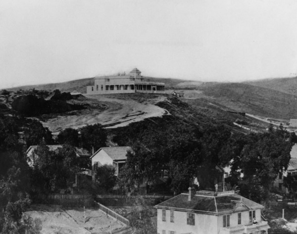 View of Fort Moore Hill, showing the home (upper center) of Mary Hollister Banning, formerly a beer hall built by Jacob Philippi, ca. 1887 | Security Pacific National Bank Collection, courtesy of the Los Angeles Public Library