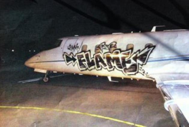 Graffiti-Learjet.jpg