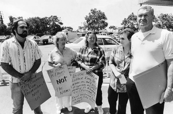 Lynwood residents in strike against Martin Luther King Jr. Boulevard, citing inappropriate spending. Photo courtesy of the Los Angeles Public Library