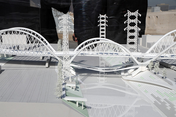 Model of the new Sixth Street Bridge design | Photo by Justin Cram
