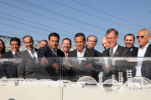 Mayor Villaraigosa and Councilman Huizar at the Sixth Street Bridge announcement | Photo by Justin Cram