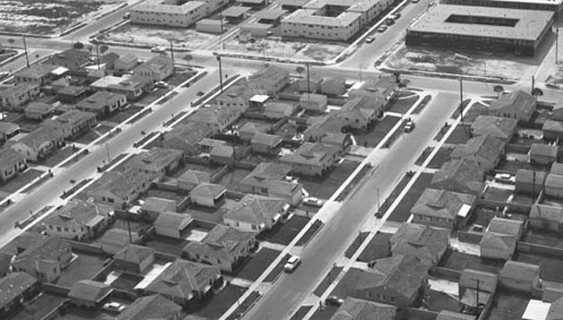 For better or worse, suburban sprawl unmistakably characterizes what is now referred to as Greater Los Angeles. Photo by Howard D. Kelly from the Kelly-Holiday Collection of Negatives and Photographs. Photo courtesy the Los Angeles Public Library.