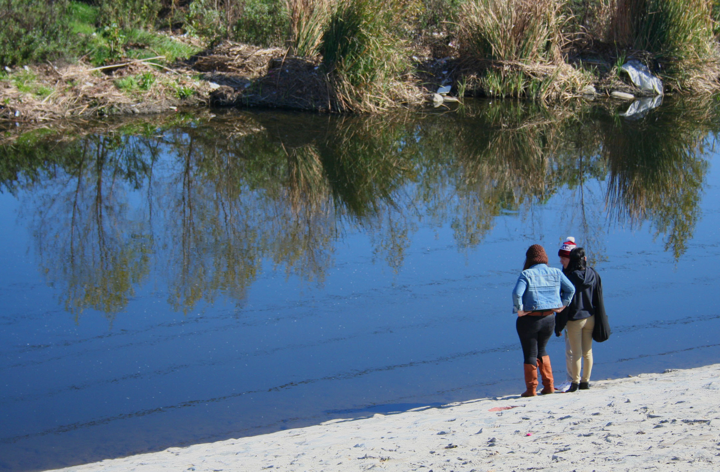 Students from L.A. Leadership Academy on the rivers edge