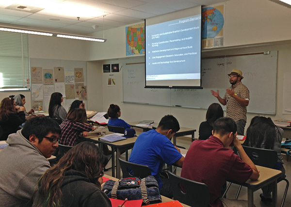 NELA RC project manager George Villanueva presenting to the Youth Voices class.
