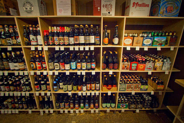 Tour-Beer-Store-121712