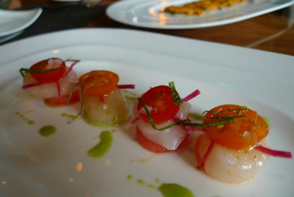 Cappesante: scallop, melon, radish, citrus, mint