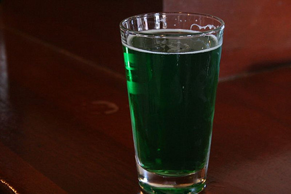 green-beer-pint-031413