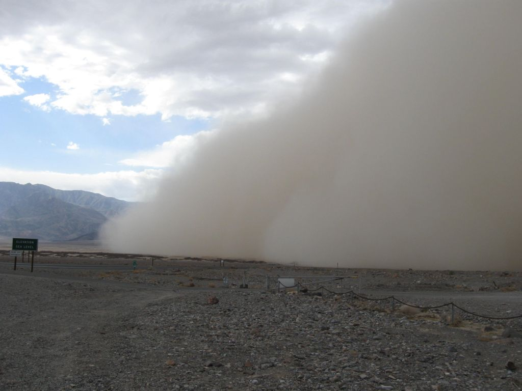 A haboob moving through Furnace Creek in Death Valley National Park | Photo: Naomi McGraw/National Park Service