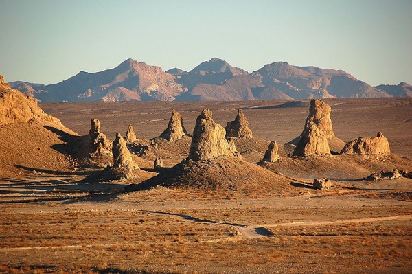 trona-pinnacles-2