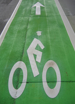 Buffered bike lanes on Spring Street I Photo: Maria Lopez