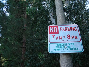 You can park here without a permit on Thanksgiving | Photo by Zach Behrens/KCET