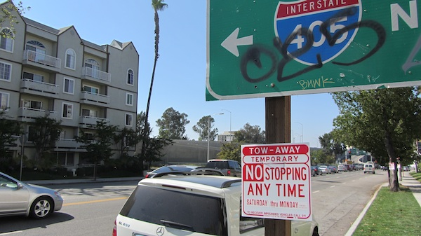 A tow-away sign on Sepulveda Blvd. in Sherman Oaks | Photo by Zach Behrens/KCET
