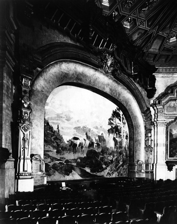 1926 interior view showing the Carthay Circle Theater's proscenium arch. Courtesy of the Los Angeles Public Library Photo Collection.