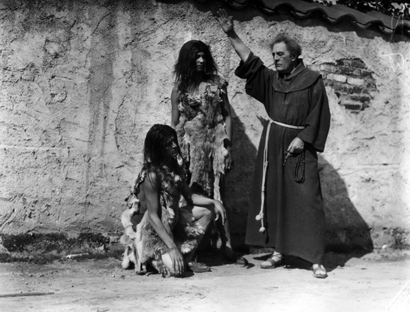 R.D. McLean (right) portrays Serra in 'The Mission Play.' Courtesy of the Los Angeles Public Library Photo Collection.