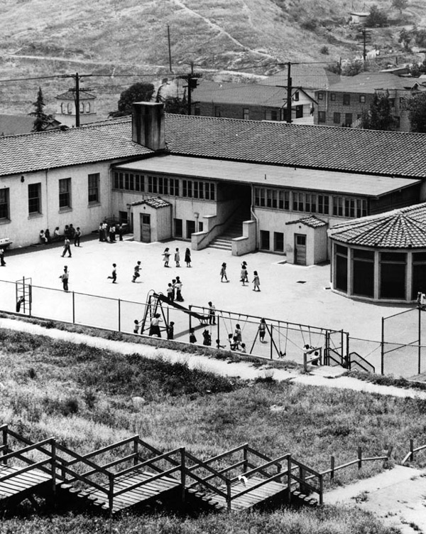 Children play outside the Palo Verde Elementary School. Courtesy of the Photo Collection, Los Angeles Public Library.