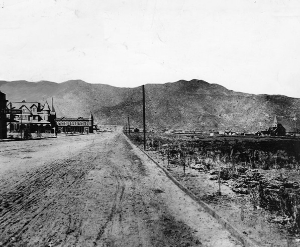 Olive Avenue in Burbank, circa 1889. Courtesy of the Title Insurance and Trust / C.C. Pierce Photography Collection, USC Libraries.