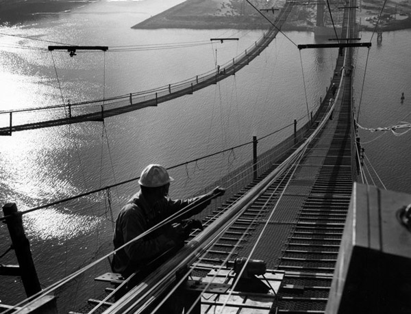 Construction work on the Vincent Thomas Bridge in 1962. Courtesy of the Security Pacific National Bank Collection, Los Angeles Public Library.