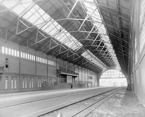 The Arcade Station's rail shed was five hundred feet long and ninety feet high. Courtesy of the Photo Collection, Los Angeles Public Library.