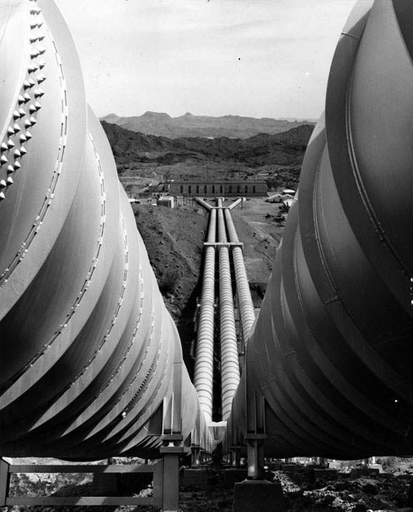 1977 photo of the Gene Pumping Plant, which lifts Colorado River water 303 feet just south of Parker Dam. Courtesy of the Herald-Examiner Collection, Los Angeles Public Library.