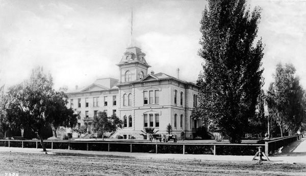 St. Vincent's College, circa 1887. Courtesy of the Security Pacific National Bank Collection, Los Angeles Public Library.
