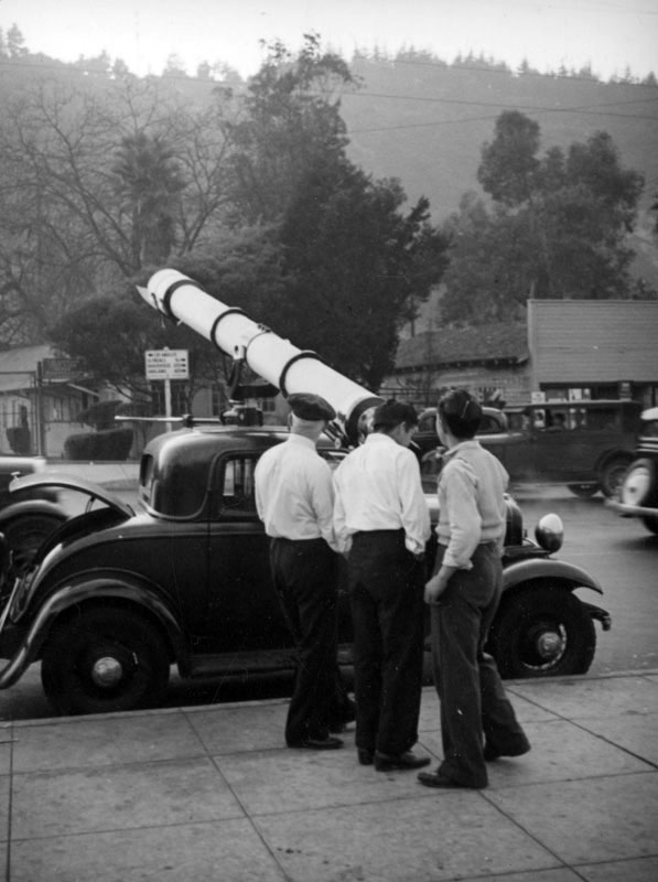 Amateur astronomers trained their telescopes on the moving mass. Courtesy of the Herman J. Schultheis Collection - Los Angeles Public Library.