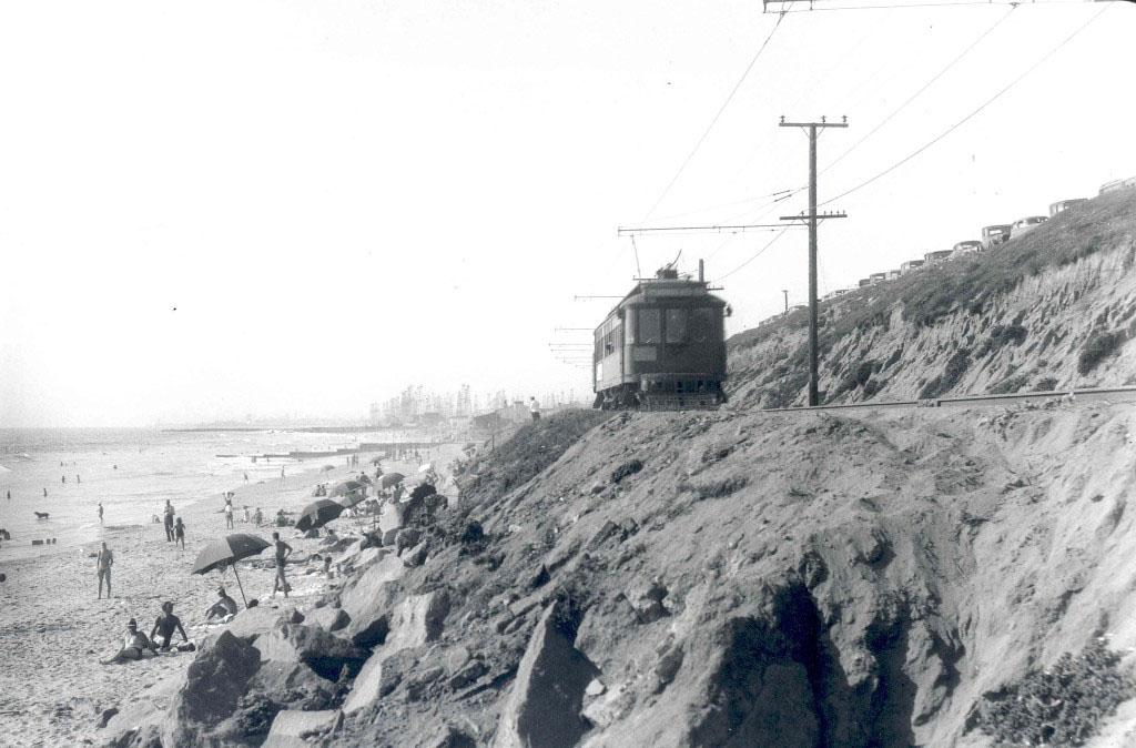 Streetcar along Redondo Beach, 1939