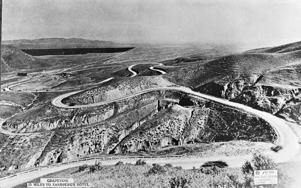 1920 view of the Ridge Route ascending Grapevine Canyon. Courtesy of the Metro Transportation Library and Archive. Used under a Creative Commons license.